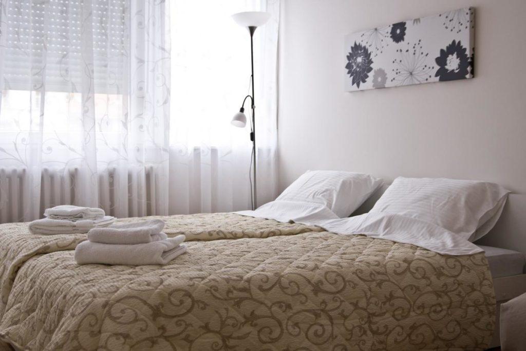 Dva singl kreveta