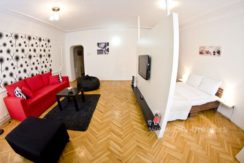 city-break-apartments-apartment-radio-funky-8