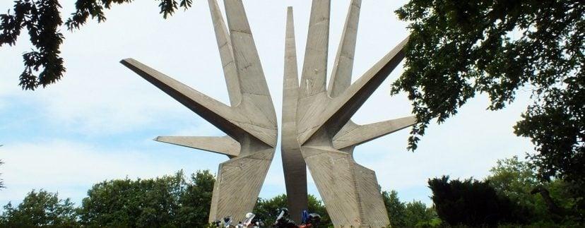kosmaj-spomenik