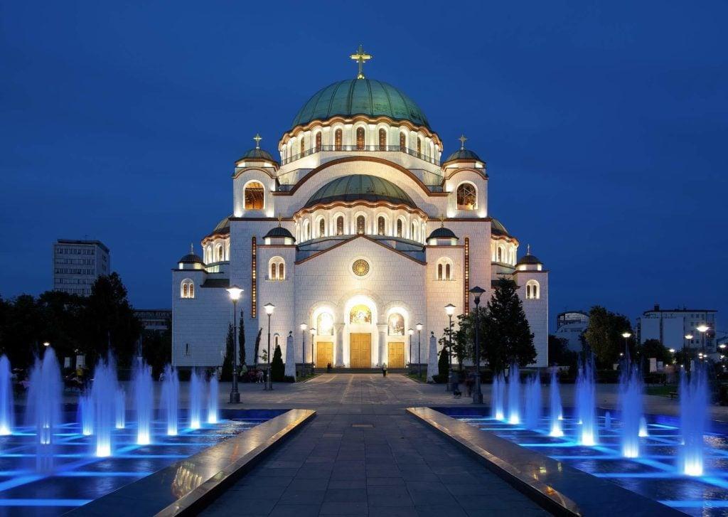 hram svetog save nocu