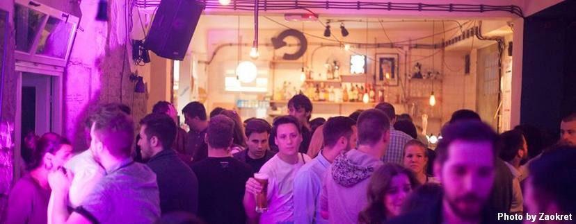 ljudi u klubu